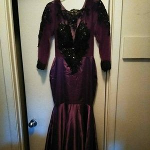 Dresses & Skirts - Evening gowns